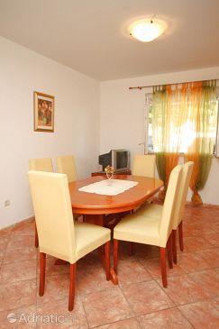 Apartment A-6688-a - Apartments Brela (Makarska) - 6688
