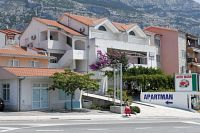 Apartments with a parking space Makarska - 6693