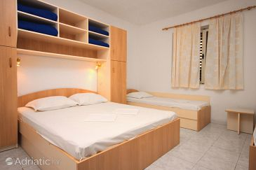 Room S-6698-b - Apartments and Rooms Živogošće - Blato (Makarska) - 6698