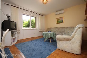Podgora, Living room u smještaju tipa apartment, dostupna klima, dopusteni kucni ljubimci i WIFI.