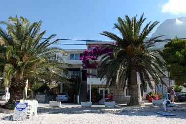 Property Bratuš (Makarska) - Accommodation 6746 - Apartments near sea with pebble beach.