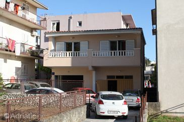 Property Baška Voda (Makarska) - Accommodation 6751 - Apartments with pebble beach.