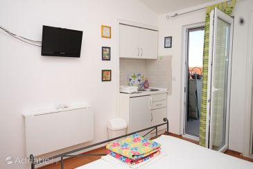 Studio flat AS-6758-a - Apartments Makarska (Makarska) - 6758
