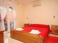 Bedroom - Apartment A-6763-e - Apartments Baška Voda (Makarska) - 6763