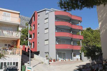 Baška Voda, Makarska, Property 6763 - Apartments with pebble beach.