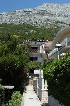 Property Baška Voda (Makarska) - Accommodation 6786 - Apartments near sea with pebble beach.