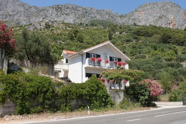 Property Brist (Makarska) - Accommodation 6813 - Apartments near sea with pebble beach.
