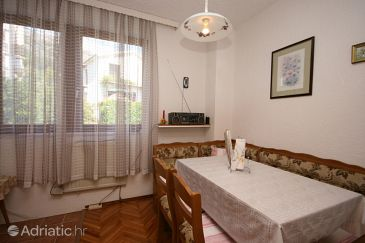 Apartment A-6825-a - Apartments Gradac (Makarska) - 6825