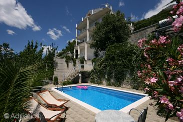 Property Brela (Makarska) - Accommodation 6828 - Apartments and Rooms with pebble beach.