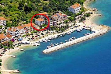 Property Podgora (Makarska) - Accommodation 6836 - Apartments near sea with pebble beach.
