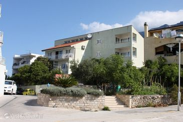 Property Makarska (Makarska) - Accommodation 6839 - Apartments and Rooms near sea with pebble beach.