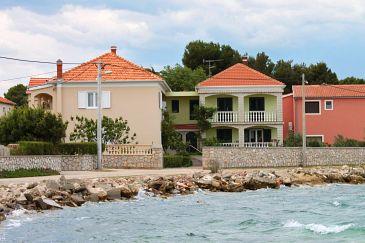 Obiekt Pašman (Pašman) - Zakwaterowanie 685 - Apartamenty blisko morza z kamienistą plażą.