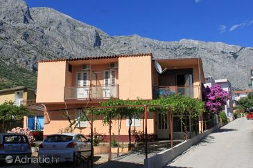 Property Baška Voda (Makarska) - Accommodation 6853 - Apartments and Rooms near sea with pebble beach.