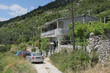 Property Veliko Brdo (Makarska) - Accommodation 6871 - Apartments with pebble beach.