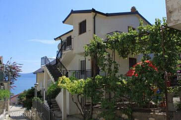 Property Podaca (Makarska) - Accommodation 6902 - Apartments near sea with pebble beach.