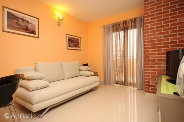 Gornja Podgora, Living room u smještaju tipa apartment, dostupna klima i WIFI.