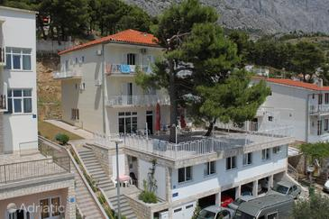 Property Baška Voda (Makarska) - Accommodation 6912 - Apartments with pebble beach.