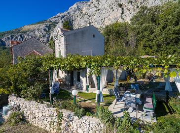 Property Gornji Tučepi - Podpeć (Makarska) - Accommodation 6915 - Vacation Rentals with pebble beach.