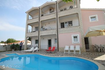Property Tar (Poreč) - Accommodation 6918 - Apartments with pebble beach.