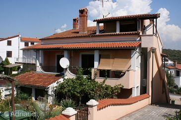 Property Vrsar (Poreč) - Accommodation 6946 - Apartments with pebble beach.