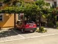 Parking lot Poreč (Poreč) - Accommodation 6950 - Apartments with rocky beach.