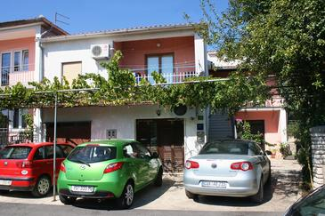 Property Pula (Pula) - Accommodation 6985 - Apartments with pebble beach.