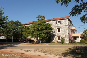 Property Barići (Umag) - Accommodation 7003 - Apartments with rocky beach.