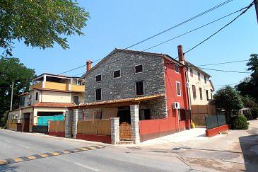 Property Zambratija (Umag) - Accommodation 7030 - Apartments near sea.