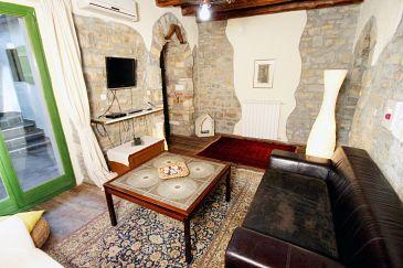 House K-7046 - Vacation Rentals Grožnjan - Bijele Zemlje (Središnja Istra) - 7046
