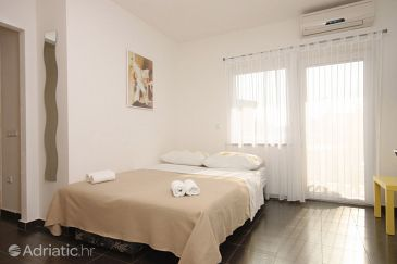 Apartment A-7076-d - Apartments Funtana (Poreč) - 7076
