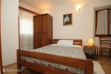 Room S-7081-a - Apartments and Rooms Oprtalj (Središnja Istra) - 7081