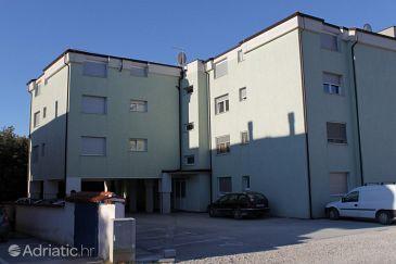 Property Pula (Pula) - Accommodation 7178 - Apartments with rocky beach.