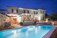 Luxury villa with a swimming pool Trget (Raša) - 7247