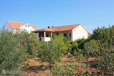 Property Mirca (Brač) - Accommodation 726 - Apartments near sea with pebble beach.