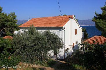 Property Slatine (Čiovo) - Accommodation 7274 - Apartments near sea.
