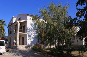 Property Valbandon (Fažana) - Accommodation 7309 - Rooms with pebble beach.