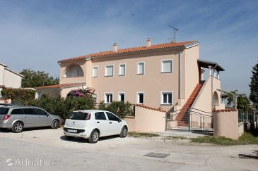 Property Vinkuran (Pula) - Accommodation 7339 - Apartments with pebble beach.