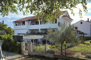 Property Valbandon (Fažana) - Accommodation 7347 - Apartments with pebble beach.