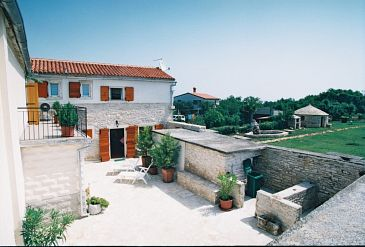 Property Kavran (Marčana) - Accommodation 7389 - Vacation Rentals with pebble beach.