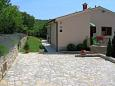 Parking lot Trget (Raša) - Accommodation 7446 - Apartments with sandy beach.