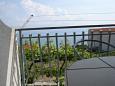 Mali Rat, Terrace u smještaju tipa apartment, s pogledom na more, dopusteni kucni ljubimci i WIFI.