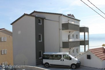 Mali Rat, Omiš, Property 7482 - Apartments with pebble beach.