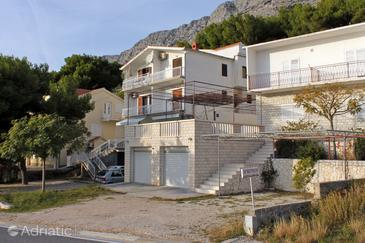 Medići, Omiš, Property 7483 - Apartments with pebble beach.
