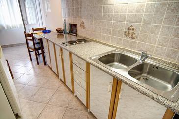 Pučišća, Kuchnia u smještaju tipa apartment, WIFI.