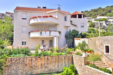 Property Pučišća (Brač) - Accommodation 754 - Apartments near sea with pebble beach.
