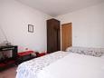 Arbanija, Bedroom u smještaju tipa apartment, dostupna klima.
