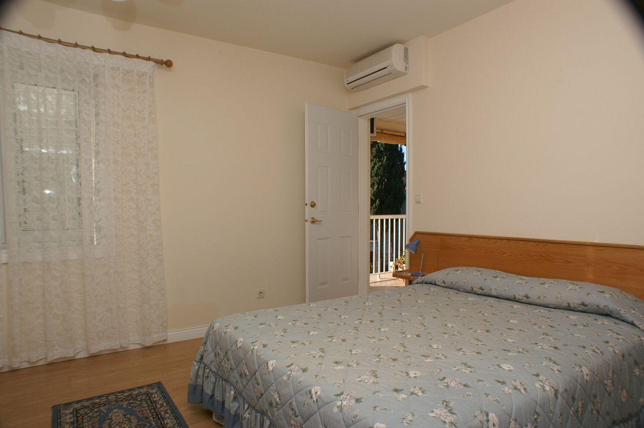 Apartmány s parkoviskom v meste Sumartin - 757