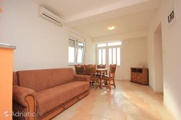 Apartment A-7575-a - Apartments Dugi Rat (Omiš) - 7575