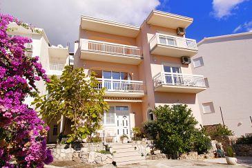 Property Duće (Omiš) - Accommodation 7576 - Apartments near sea with sandy beach.