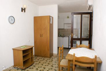 Studio flat AS-7631-a - Apartments Supetar (Brač) - 7631